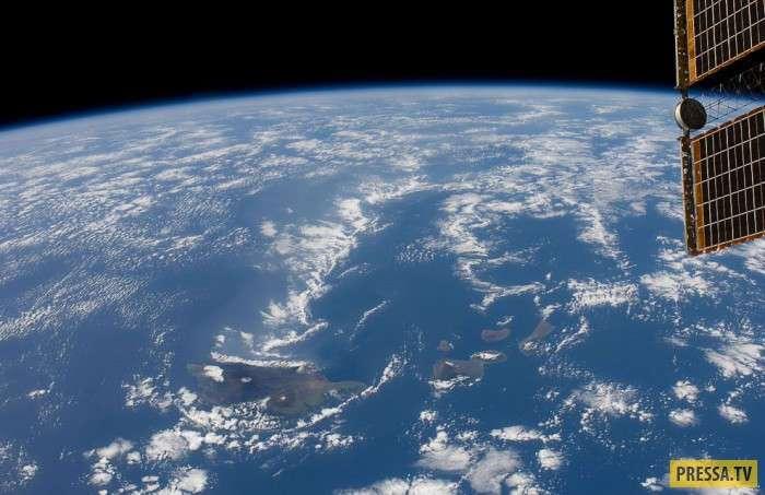 Космические дали и фотографии нашей планеты из космоса (27 фото)