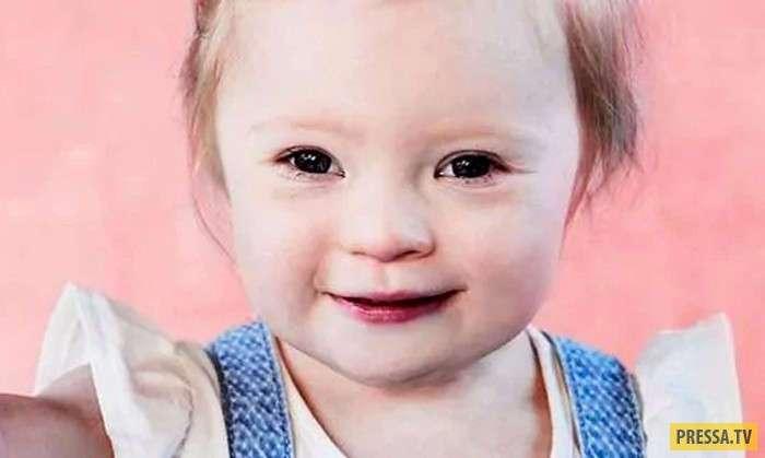 Лили – 2-летняя девочка с синдромом Дауна, делает успехи в рекламном бизнесе (7 фото)