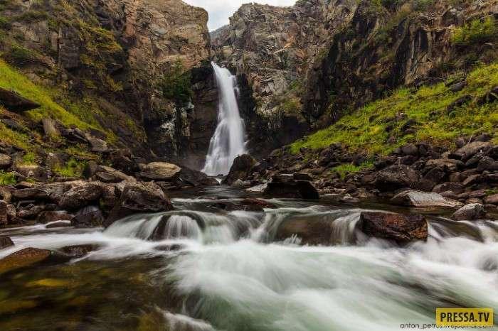 Невероятно зрелищное место в России, долина реки Чулышман (10 фото)