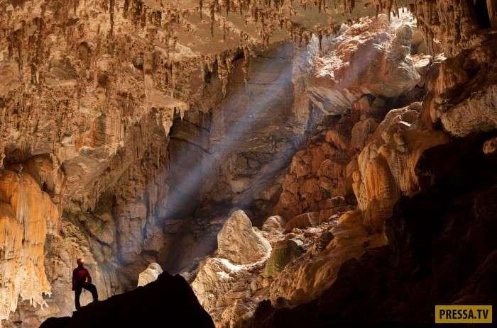 Невероятно красивая пещера Лапа Тера Ронка в Бразилии (10 фото)