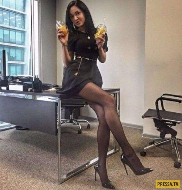Пятница - красивым девушкам скучно на работе (32 фото)