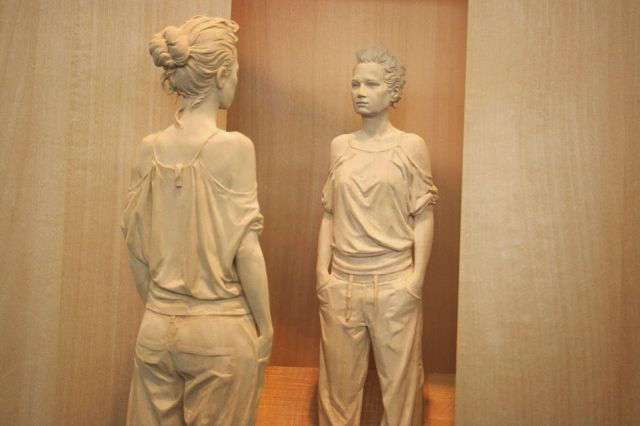 Такого вы еще не видели: поразительно реалистичные скульптуры из дерева