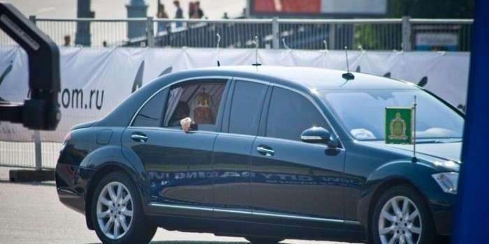 """В РПЦ объяснили, почему патриарх не должен ездить на """"Ладе Калине"""" (фото + видео)"""
