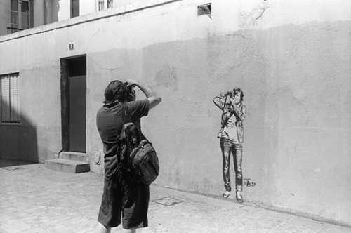 Яркие примеры того, как жизнь подражает искусству (35 фото)