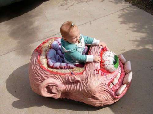 Самые странные и жуткие игрушки (18 фото)