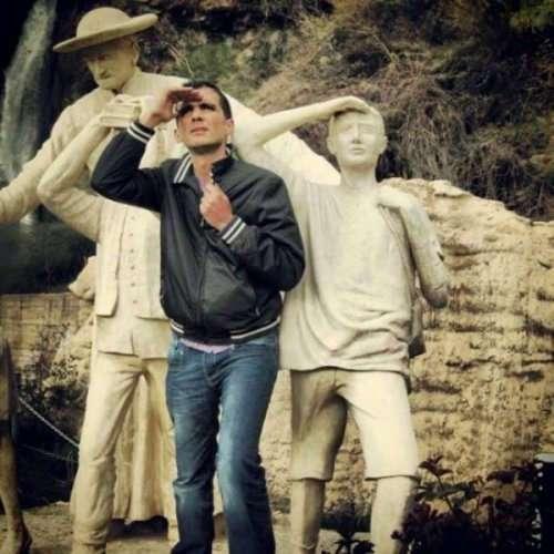 Прикольные фотографии с памятниками (20 шт)
