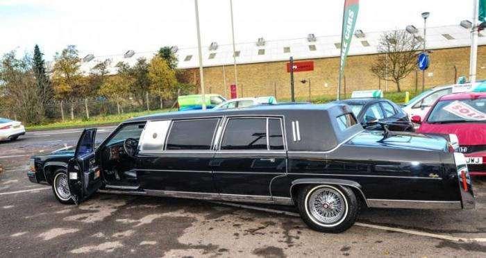 Старый лимузин Дональда Трампа выставлен на продажу (8 фото)