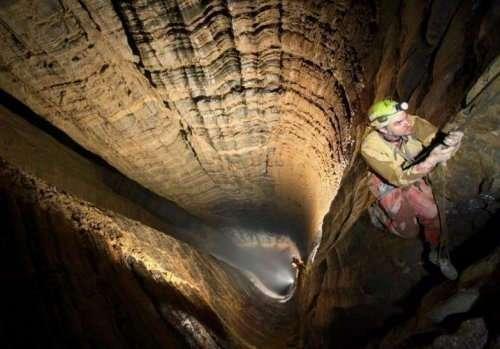 Топ-10: Самые глубокие пещеры в мире