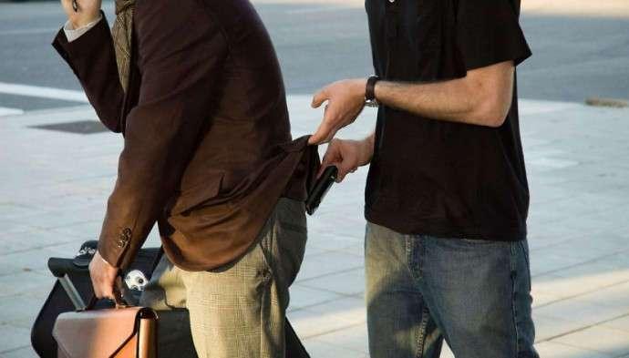 10 шагов к безопасности имущества во время путешествия (2 фото)