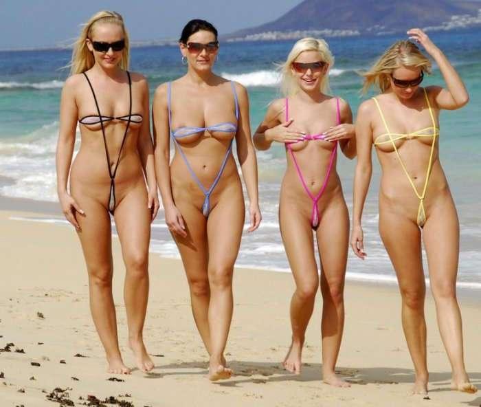 Девушки в бикини и очках (34 фото)