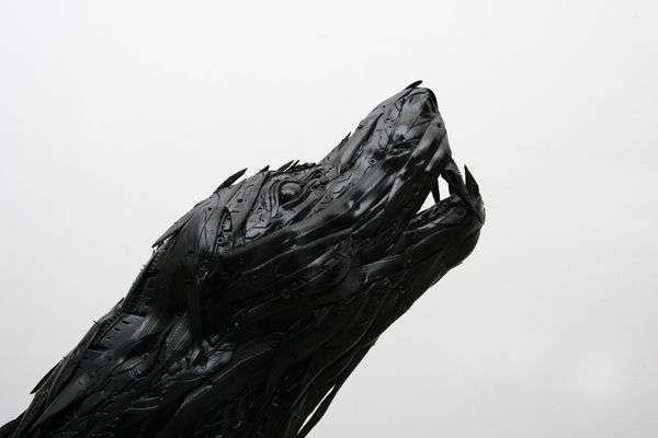 Скульптуры из покрышек (17 фото)