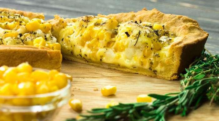 Сырный пирог с кукурузой и цветной капустой