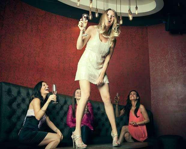 6 коварных признаков того, что вы пьете слишком много