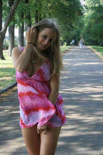 Девушки, которым очень идут обтягивающие платья (62 фото)