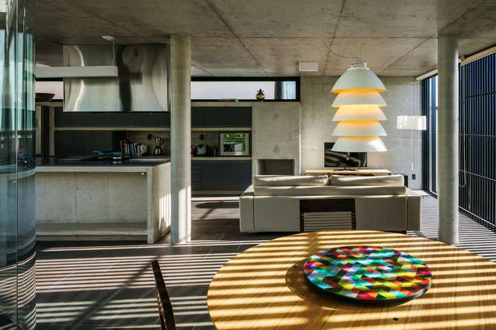Дизайн дома в Бразилии с креативным зеленым уголком