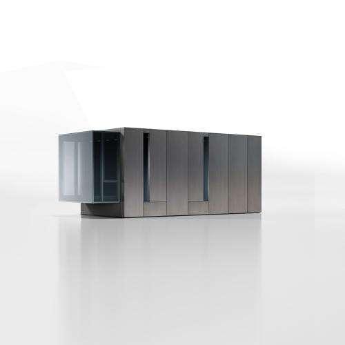 Пожив в контейнере, дизайнер создал миниатюрный дом