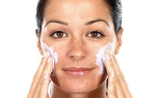 -Завязывайте- немедленно: 8 вредных привычек, которые забивают поры и портят вашу кожу