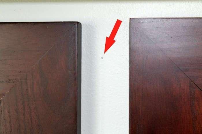 3 удивительно простых способа, как заполнить дырки от гвоздей в стене