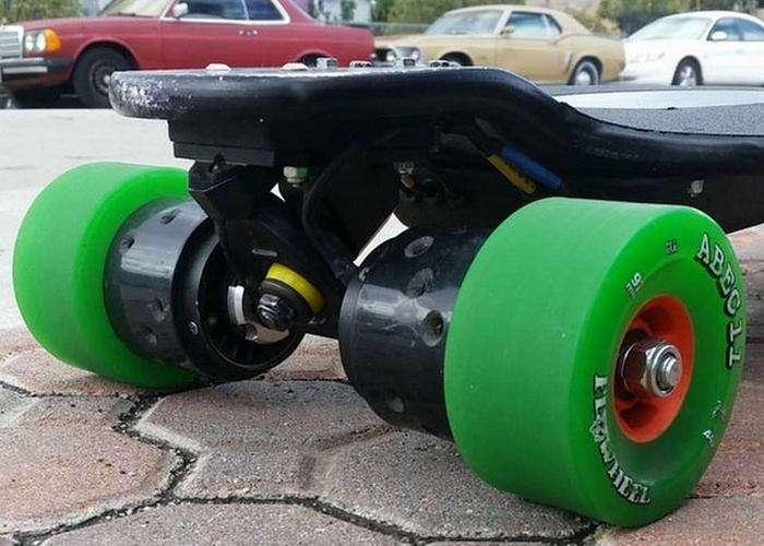 Электрический скейтборд, который может разгоняться до скорости автомобиля