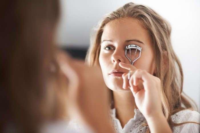Поговорим о сроках: 10 косметических средств, которые вы меняете недостаточно часто