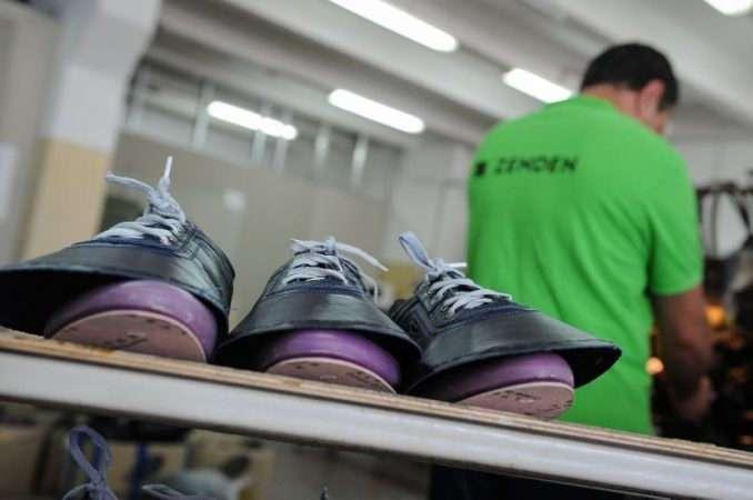 Дешевле и качественнее -Китая-: обувной гигант из РФ развивает производство в Сирии и Крыму
