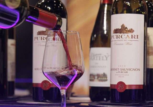 Кушать подано! Садитесь жрать, пожалуйста.Молдова исключила вино из списка алкогольных напитков и признала продуктом питания