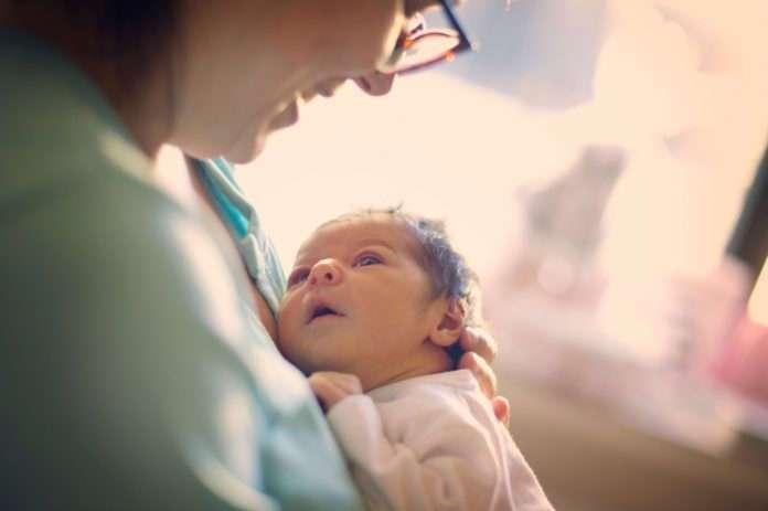 Как на женщин влияет рождение детей в зрелом возрасте