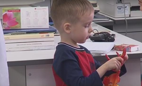 Впервые в России ребенку установили 3D-печатный протез