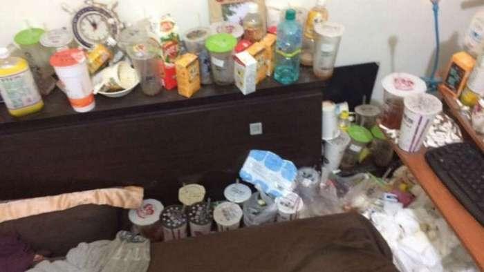 -Уютная- комната китайского студента