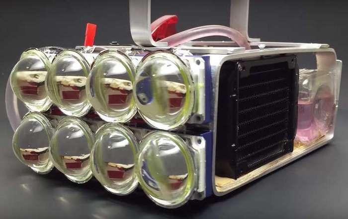Самодельный фонарь со световым потоком в 72000 люмен и водяной системой охлаждения