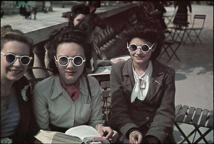 Фотоподборка оккупированного Парижа