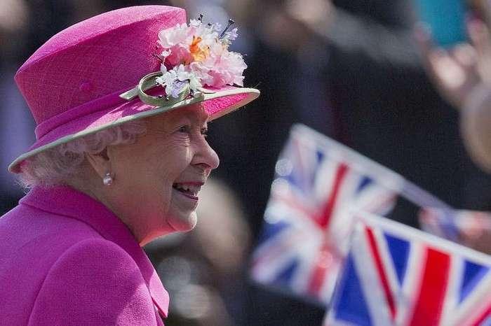 Один день из жизни королевы Елизаветы II: привычки, пристрастия и хобби