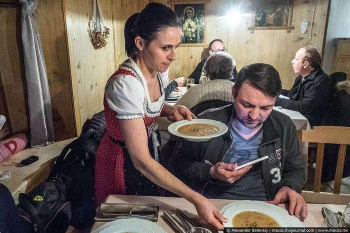 Как едят в Европе: Двухсотлетний ресторан!