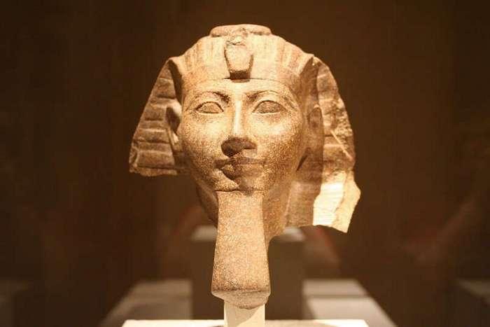 Женщина-фараон, которая правила Египтом задолго до Клеопатры
