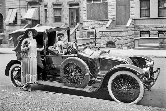 Автосалон в Санкт-Петербурге 1913 года