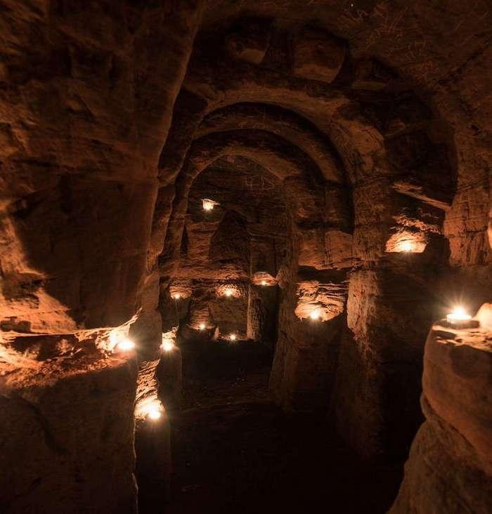 Эта кроличья нора ведёт в 700-летнюю тайную пещеру рыцарей-тамплиеров
