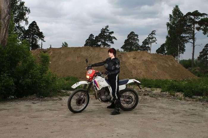 Участницы мотоклубов на снимках Юлии Алтуховой
