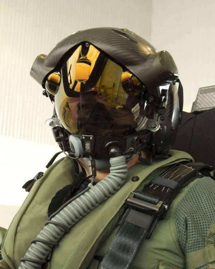 -Матрица- в F-35: шлем с дополненной реальностью для пилотов.