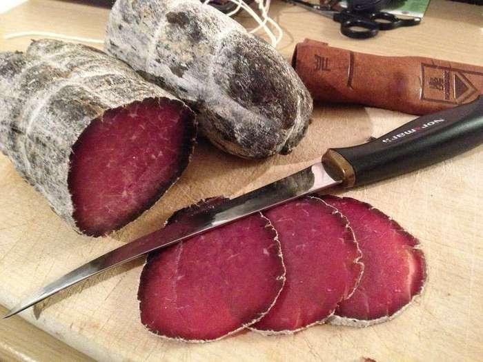 Как готовят брезаолу, вяленое мясо по-итальянски