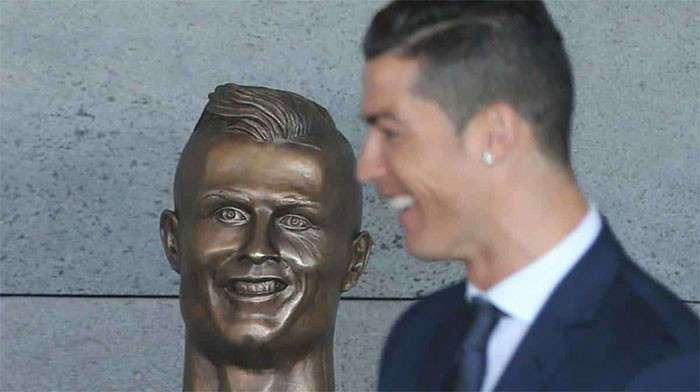 У Роналду появился бюст: самые смешные реакции на эту новость