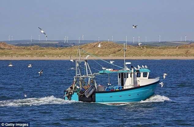 Рыбак чудом выжил, проведя два месяца в открытом море и исхудав до 20 килограммов
