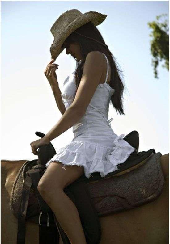 Фото самых красивых девушек. Чертовски красивые с ШИКарными формами 020417-85-9
