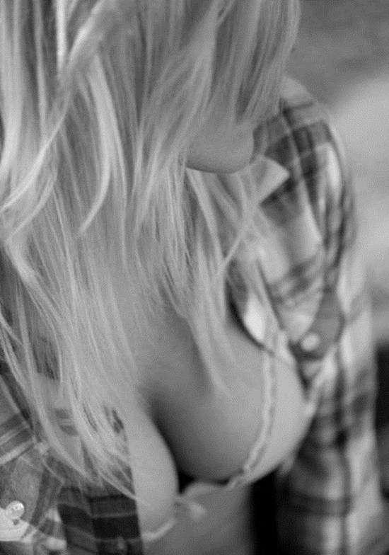 Фото самых красивых девушек. Чертовски красивые с ШИКарными формами 130417-105-71