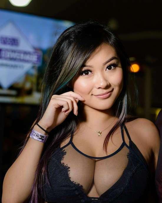Фото самых красивых девушек. Чертовски красивые с ШИКарными формами 130417-118-37