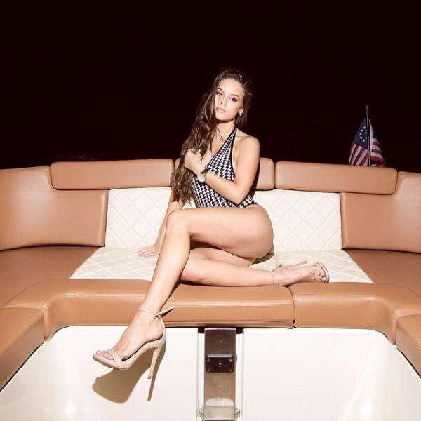 Чертовски красивые девушки с ШИКарными формами. Фото красивых девушек 220417-120-31