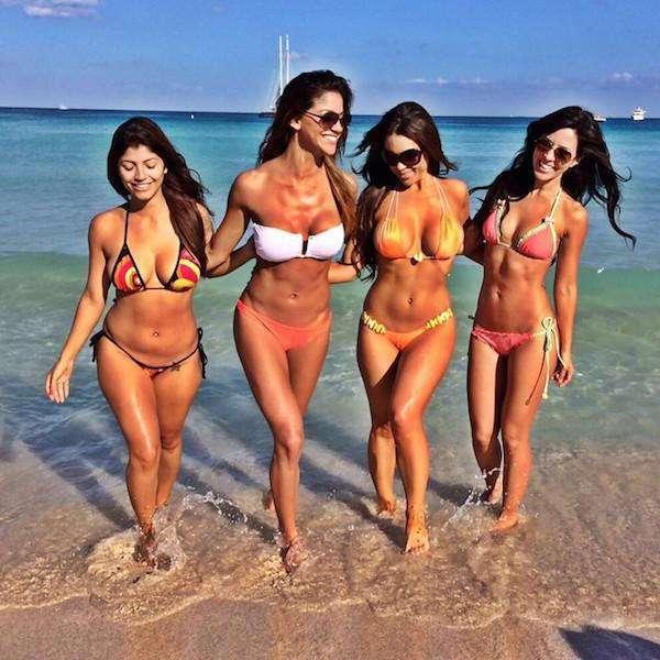 Чертовски красивые девушки с ШИКарными формами. Фото красивых девушек 280417-133-27