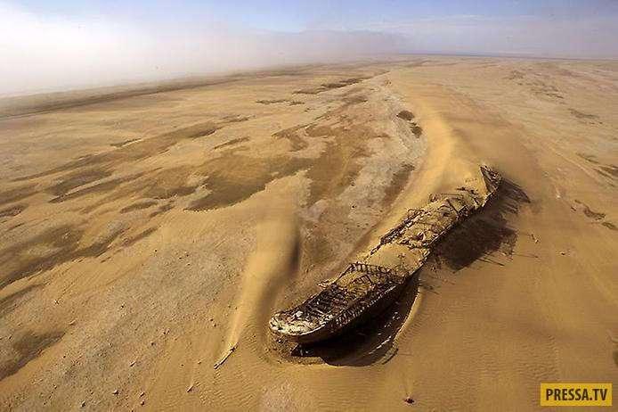 Впечетляющие и живописные остатки кораблей на месте кораблекрушений (22 фото)