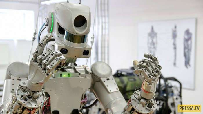"""Робот Fedor первым выведет на орбиту новый российский космический корабль """"Федерация"""" (4 фото+1 видео)"""