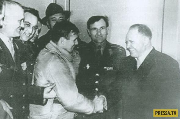 Уникальные фотографии Юрия Гагарина после полета (15 фото)