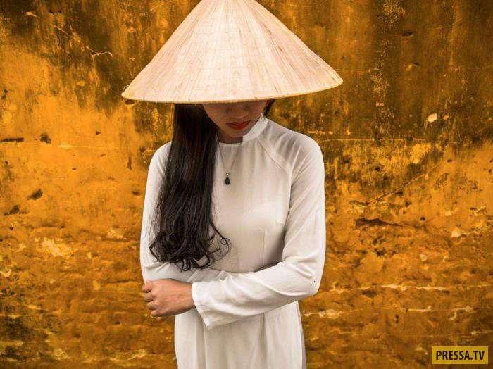 Удивительные снимки древнего вьетнамского города, жители которого застряли во времени (17 фото)